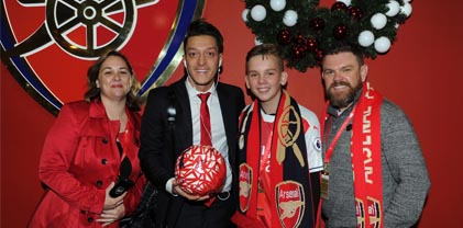 Matchball Package - Souvenir photograph with an Arsenal player